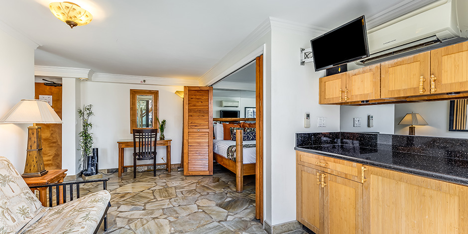 Luxury One Bedroom City Mountain Kitchenette View at Bamboo Waikiki Hotel