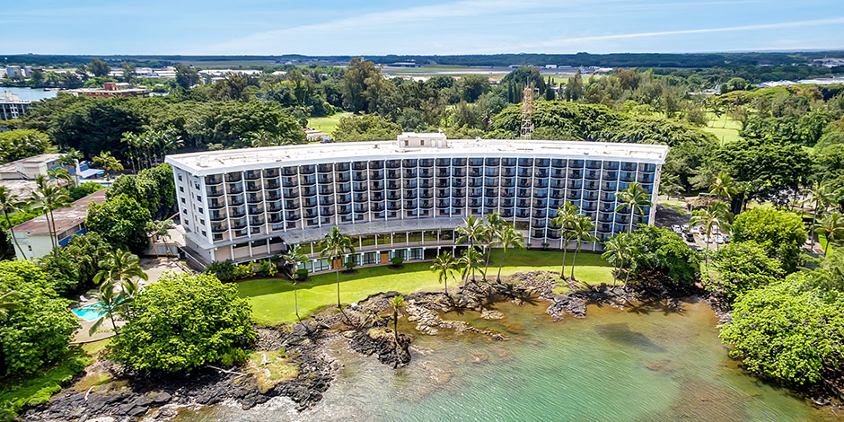 Aerial view of Hilo Hawaiian Hotel