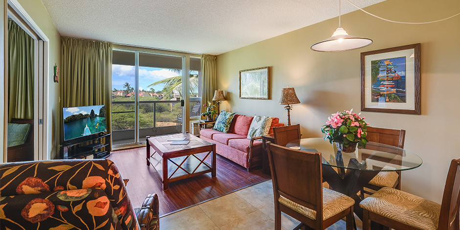 Second living room at Maui Banyan