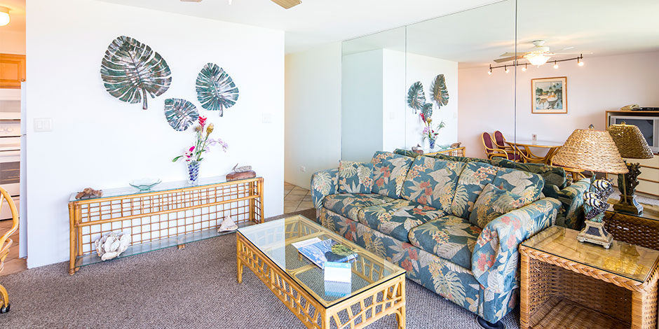 1 Bedroom Oceanfront Livingroom at Paki Maui