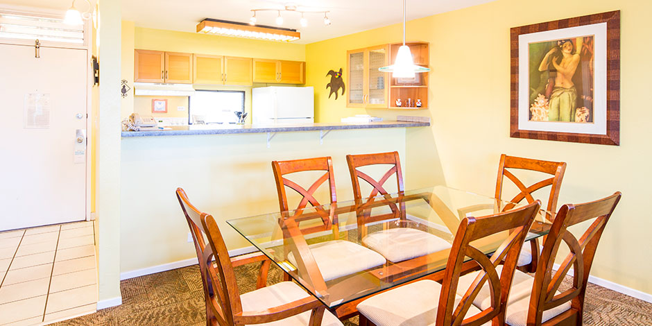 2 Bedroom Partial Ocean View dining area at Paki Maui