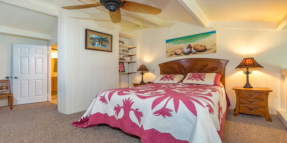 Master bedroom at Polynesian Shores
