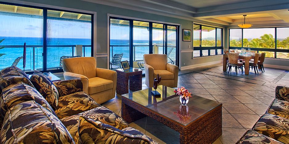 Livingroom in penthouse suite at Poipu Shores Resort
