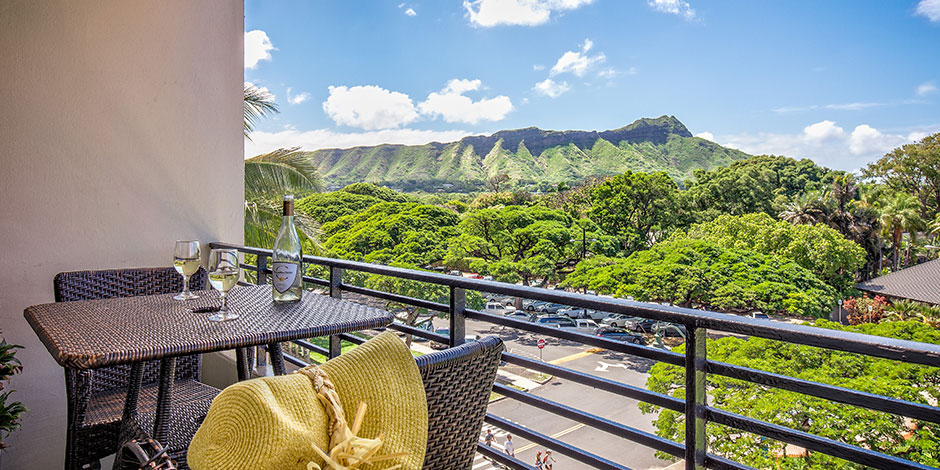 Located Steps From Waikiki Beach This Hotel Features Moderately Priced Rooms With Ocean Or Diamond Head Views