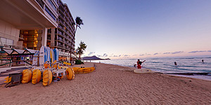 Beach sunrise at the Waikiki Shore